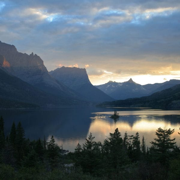 Veterans and Gold Star Families Now Get Free Entrance to our National Parks