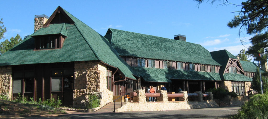 The exterior of Bryce Canyon Lodge
